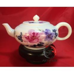 Porcelanowy czajniczek (chryzantemy)